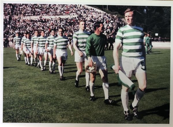 Lisbon Lions Walking Tall - 300 pieces